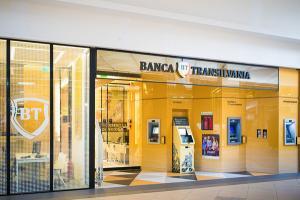 Agentiile si sucursalele BT au revenit la programul de dinainte de pandemie dar banca recomanda, in continuare, bankingul online