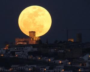 """Super-Luna"", fenomenul astronomic anual se va intampla in acest week-end"