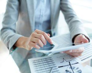 Decizie CEDO: angajatorii pot supraveghea conversatiile salariatilor pe internet