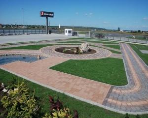 SYMMETRICA: Revine cererea pentru proiectele rezidentiale si comerciale