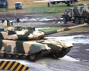 Rusii fac afaceri: Livreaza armament de 1 miliard de dolari catre Azerbaijan