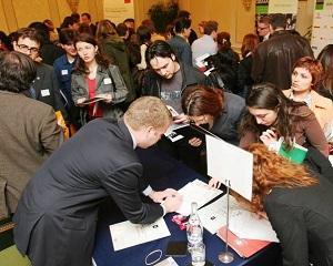 Targ de joburi in Capitala  Peste 2 000 de locuri de munca in 22 de companii municipale