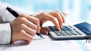 Isarescu reevalueaza taxa pe lacomie: Noile calcule nu arata deloc bine