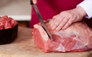 Carnea de porc ar putea fi taxata in viitorul apropiat