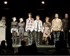 Teatru: Subiect vechi, piesa si costume noi