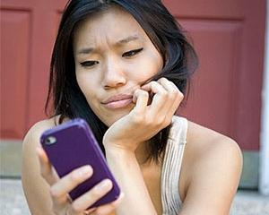 Studiu: 5% dintre utilizatorii de telefoane mobile si-au distrus aparatele