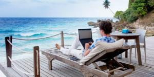 IT-istii si angajatii din pozitii de middle management au cele mai multe zile de lucru REMOTE