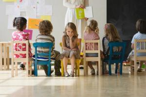 De ce psihologii nu sunt de acord cu temele de vacanta pentru elevi