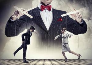Top 5  teorii ale conspiratiei:Suntem doar niste pioni pe o tabla de sah?