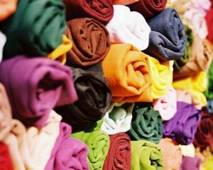 In industria textilelor, subcontractarea unor segmente de activitate scade costurile