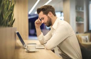 Ce poti face pentru a avea o postura corecta la birou