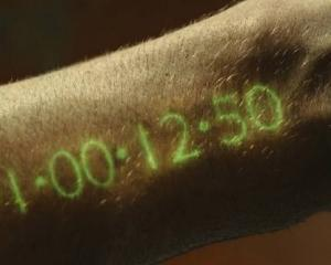 """""""In Time"""", varianta corporatista. Tu ce faci cu timpul tau, il cumperi sau il vinzi angajatorului?"""