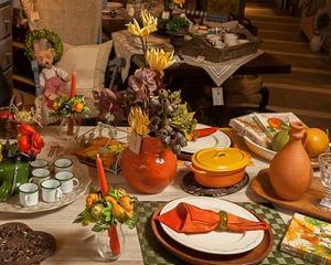 Ce culori aleg toamna romanii pentru a-si redecora casa: Crem, maro, portocaliu, ruginiu, bordeaux si materiale naturale