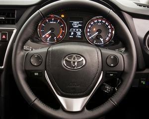 Toyota a vandut peste un milion de masini hibrid in 2012