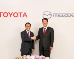 Toyota si Mazda vor face schimb de tehnologii pentru a construi masini mai atractive