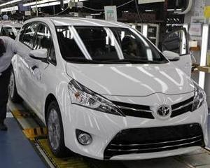 Toyota spera sa vanda 865.000 de masini in Europa, la nivelul anului 2014