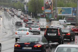 Cat timp pierd bucurestenii in trafic si ce facilitati isi doresc la locul de munca