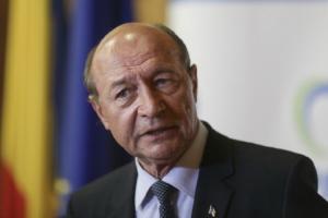 Basescu, despre COVID-19: NU suntem pregatiti. In doua luni, va exploda focarul. Eu as inchide metroul