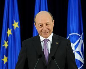 Pe cine a decorat Traian Basescu