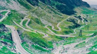 Nu mai putem circula pe cele mai spectaculoase drumuri din Romania. Transfagarasanul si Transalpina au intrat la iernat