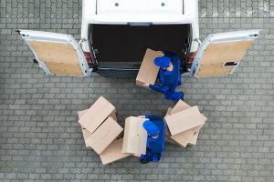 Vrei sa devii importator? 3 lucruri pe care ar trebui sa le stii despre vami si transportul marfurilor