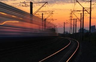 Contractie severa a transportului feroviar din pricina restrictiilor impuse de pandemie