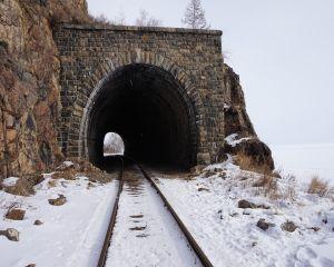 Viscolul ingreuneaza traficul feroviar. Ce trenuri sunt anulate astazi