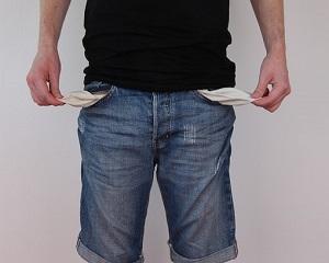 Prin transferarea platii integrale a contributiilor sociale catre angajat, Romania este, din nou ,