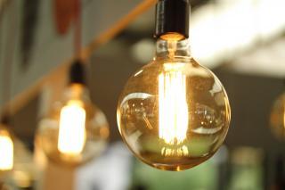 Cum putem evita scumpirile la energie. Iata trucurile pe care furnizorii nu isi doresc sa le stii