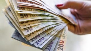 Mamele din Romania vor beneficia de 2.000 de euro de la stat, bani pentru trusoul bebelusului