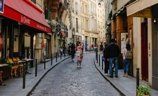 Relaxarea restrictiilor va avea ca efect relansarea turismului sau teama de imbolnavire va fi mai puternica si oamenii vor evita calatoriile de placere?