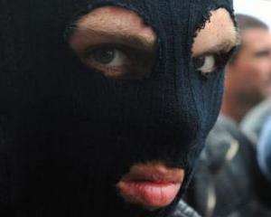 ANALIZA: Mafiotii locali profita de pe urma conflictului din Ucraina