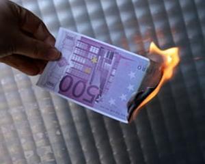 Watchdog: UE a irosit aproape 7 miliarde euro