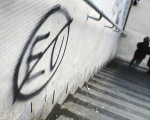 Editorial Dan Manusaride: Ce cred tinerii europeni despre criza