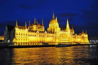 Ungaria isi inchide granitele pentru straini. Ce se intampla cu romanii care tranziteaza tara sau calatoresc in Ungaria