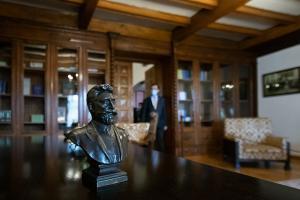 La 145 de ani de la infiintarea PNL, actualul lider al liberalilor a inaugurat Muzeul Bratianu