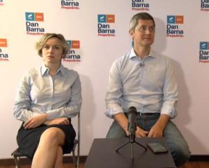 USR: Atacuri tot mai aprinse intre Dan Barna si Cosette Chichirau pentru sefia partidului