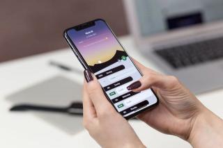 Utilizatorii de smartphone petrec zilnic, in medie, peste 4 ore in aplicatiile mobile