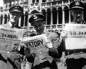 8-9 mai 1945: este semnat actul de capitulare a Germaniei in cel de-al Doilea Razboi Mondial