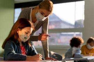 Peste 100.000 de angajati din Invatamant au fost vaccinati