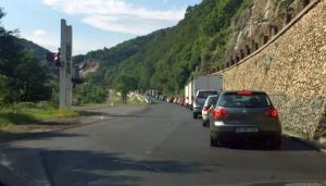 Atentie, soferi: Restrictiile de circulatie pe Valea Oltului se prelungesc cu inca O LUNA