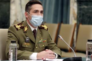 Vaccinare drive-through in Piata Constitutiei din Bucuresti si maraton al vaccinarii la Sala Palatului si Biblioteca Nationala