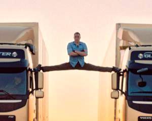Ce succes a avut spagatul lui Van Damme pe doua camioane Volvo