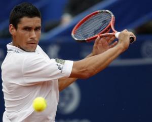 Victor Hanescu a pierdut sferturile de finala de la Doha