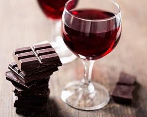 Celulele din corpul uman pot fi intinerite cu ajutorul ciocolatei si vinului rosu?