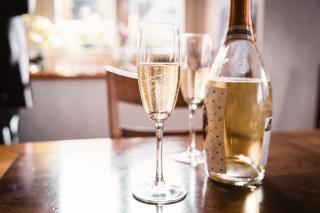 Cum se serveste un vin spumant?
