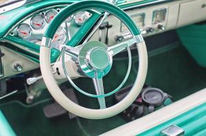 Cinci trucuri ca sa-ti mentii masina mereu curata