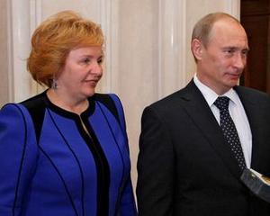"Vladimir Putin divorteaza de sotia sa, dar ramane ""insurat"" cu Rusia"