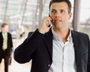 Cate miliarde de minute mai vorbesc romanii la telefon