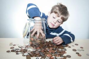 Orban propune vouchere, in loc de alocatii pentru copii. Parerea ministrului Finantelor